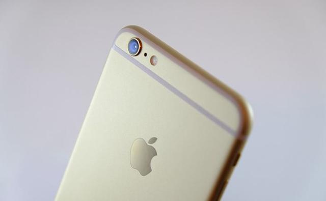 Camera khá lồi của điện thoại iPhone 6