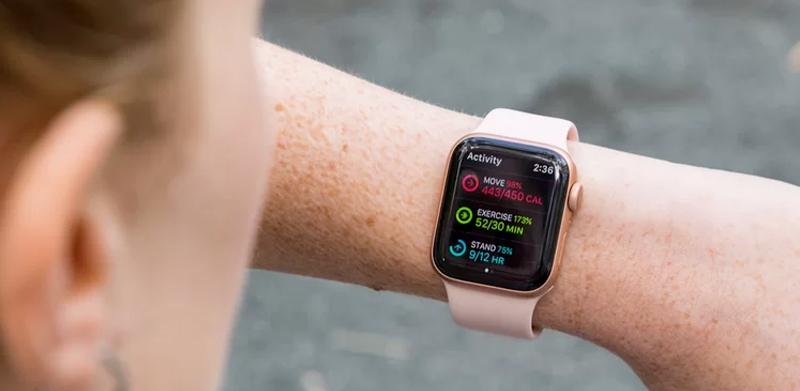 Apple Watch S4 GPS 40mm Viền Nhôm dây cao su màu hồng (MU682VN/A) - thiết kế mới