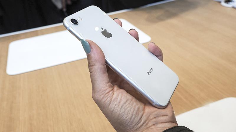 Thiết kế điện thoại iPhone 8