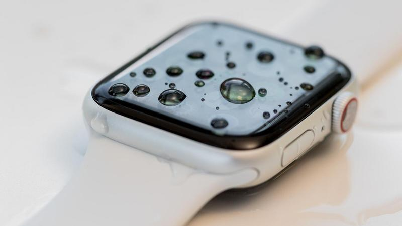 is_apple_watch_waterproof_thumb800